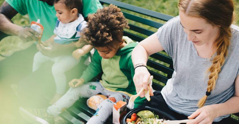 sodra-anggarden-familj-picknick